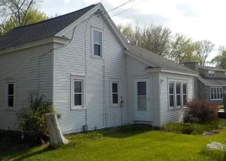 Pre Foreclosure in Brewerton 13029 MUSKRAT BAY RD - Property ID: 1577297371