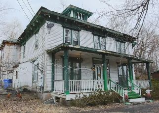 Pre Foreclosure in Goshen 10924 GREENWICH AVE - Property ID: 1577741935