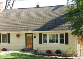 Pre Foreclosure in Denville 07834 HILLCREST DR - Property ID: 1578149680