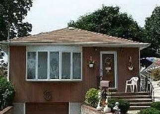 Pre Foreclosure in Malverne 11565 CAMBRIDGE ST - Property ID: 1579066350