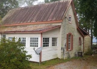 Pre Foreclosure in Bonifay 32425 W MCKINNON AVE - Property ID: 1579365492