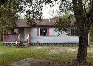 Pre Foreclosure in Bronson 32621 NE 112TH TER - Property ID: 1579579215