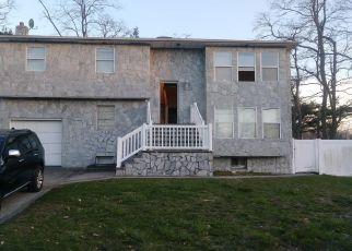 Pre Foreclosure in Massapequa 11758 QUAIL RUN - Property ID: 1579780695