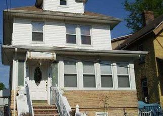 Pre Foreclosure in Staten Island 10310 N BURGHER AVE - Property ID: 1580012375