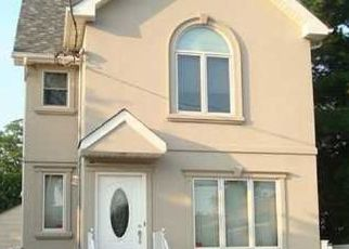 Pre Foreclosure in Staten Island 10306 TOPPING ST - Property ID: 1582296859