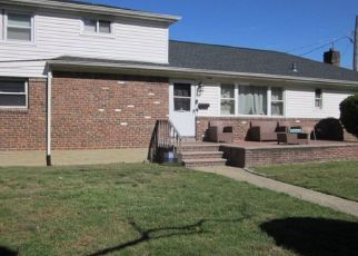 Pre Foreclosure in Elmont 11003 GREENWAY BLVD - Property ID: 1582502250