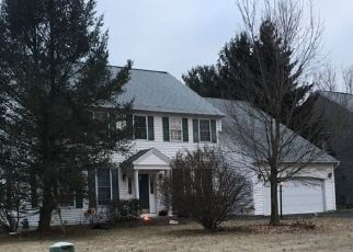 Pre Foreclosure in Cohoes 12047 DUTCH MEADOWS DR - Property ID: 1583433841
