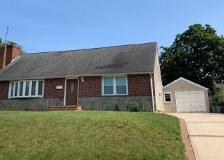 Pre Foreclosure in Uniondale 11553 ADMIRAL LN - Property ID: 1583467105