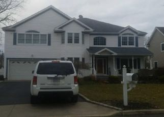 Pre Foreclosure in Nesconset 11767 JANET CT - Property ID: 1583586686
