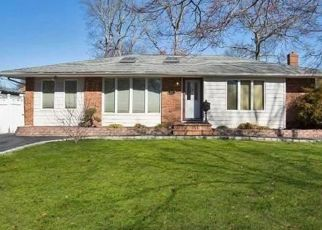 Pre Foreclosure in Smithtown 11787 SANDALWOOD DR - Property ID: 1583858671