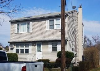 Pre Foreclosure in Lindenhurst 11757 49TH ST - Property ID: 1583889315