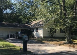 Pre Foreclosure in Hauppauge 11788 PLYMOUTH RD - Property ID: 1584157358