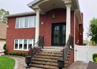 Pre Foreclosure in Staten Island 10305 BUEL AVE - Property ID: 1585526920