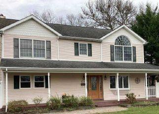Pre Foreclosure in East Islip 11730 YUMA LN - Property ID: 1585639918