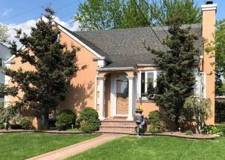 Pre Foreclosure in Hewlett 11557 OAK DR - Property ID: 1586053799