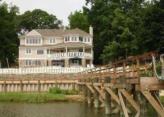 Pre Foreclosure in Centerport 11721 HARBOR PARK DR - Property ID: 1586102407