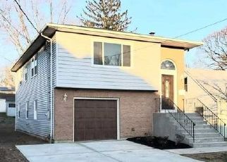 Pre Foreclosure in Huntington Station 11746 BUFFET PL - Property ID: 1586366956