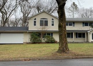Pre Foreclosure in Huntington Station 11746 PRINCETON DR - Property ID: 1586434384