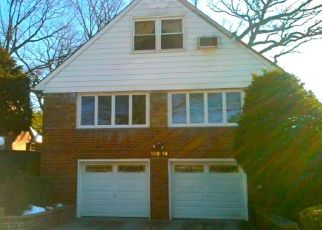 Pre Foreclosure in Hollis 11423 EPSOM CRSE - Property ID: 1586928428