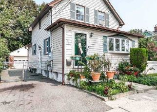 Pre Foreclosure in Floral Park 11001 MCKEE ST - Property ID: 1587000695