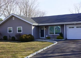 Pre Foreclosure in Medford 11763 NORWALK AVE - Property ID: 1587208735