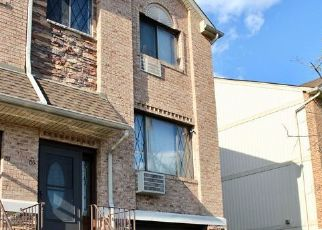 Pre Foreclosure in Staten Island 10305 NARROWS RD N - Property ID: 1587417196