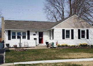 Pre Foreclosure in Babylon 11702 TAPPAN AVE - Property ID: 1587644963