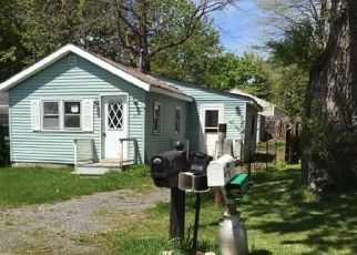 Pre Foreclosure in Canandaigua 14424 GREENBRIAR DR - Property ID: 1587654588