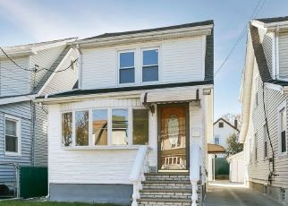 Pre Foreclosure in Queens Village 11428 208TH ST - Property ID: 1587774594