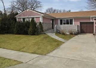 Pre Foreclosure in Elmont 11003 BIELING RD - Property ID: 1588441632