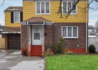 Pre Foreclosure in Elmont 11003 SILVER ST - Property ID: 1588764411