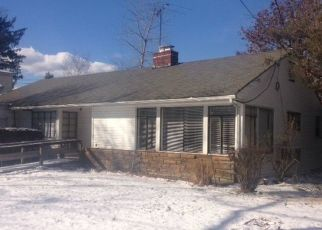 Pre Foreclosure in Woodmere 11598 CLUBHOUSE RD - Property ID: 1588864265
