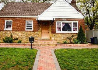 Pre Foreclosure in Valley Stream 11580 ROCKAWAY PKWY - Property ID: 1588917258