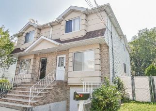 Pre Foreclosure in Staten Island 10306 STACEY LN - Property ID: 1589352164