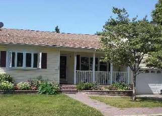 Pre Foreclosure in Lindenhurst 11757 WASHINGTON DR - Property ID: 1589621531