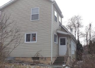 Pre Foreclosure in Beacon 12508 PINE VIEW RD - Property ID: 1589954385