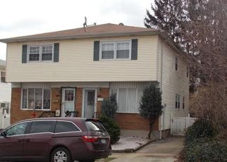 Pre Foreclosure in Staten Island 10301 OSWEGO ST - Property ID: 1590452358