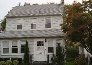 Pre Foreclosure in Woodmere 11598 HICKOX AVE - Property ID: 1591068142