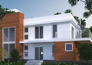 Pre Foreclosure in Miami 33133 OAK AVE - Property ID: 1591750970