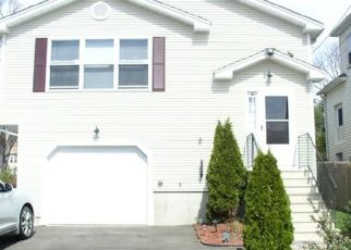 Pre Foreclosure in West Haven 06516 CREST ST - Property ID: 1592109209