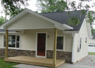 Pre Foreclosure in Sellersburg 47172 S FERN ST - Property ID: 1592564268