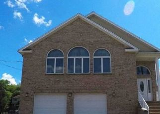 Pre Foreclosure in Little Ferry 07643 GARFIELD ST - Property ID: 1592921666
