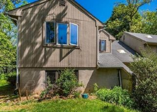 Pre Foreclosure in Highlands 07732 LINDEN AVE - Property ID: 1593173945