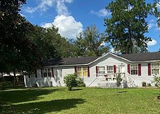 Pre Foreclosure in Lake City 32024 SW HUCKLEBERRY CT - Property ID: 1593189709