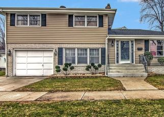 Pre Foreclosure in Lansing 60438 180TH ST - Property ID: 1594290775