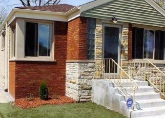 Pre Foreclosure in Riverdale 60827 S ELIZABETH ST - Property ID: 1594334567