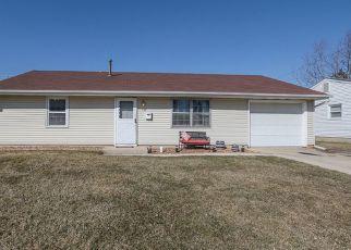 Pre Foreclosure in Romeoville 60446 FARRAGUT AVE - Property ID: 1594349905