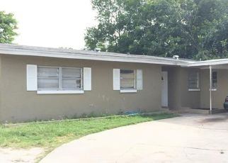 Pre Foreclosure in Orlando 32808 INDIAN HILL RD - Property ID: 1595014745