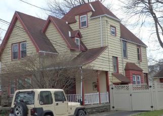 Pre Foreclosure in Lansdowne 19050 CONGRESS AVE - Property ID: 1595613448