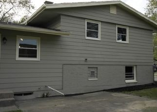 Pre Foreclosure in Lansing 60438 WILDWOOD AVE - Property ID: 1595726446